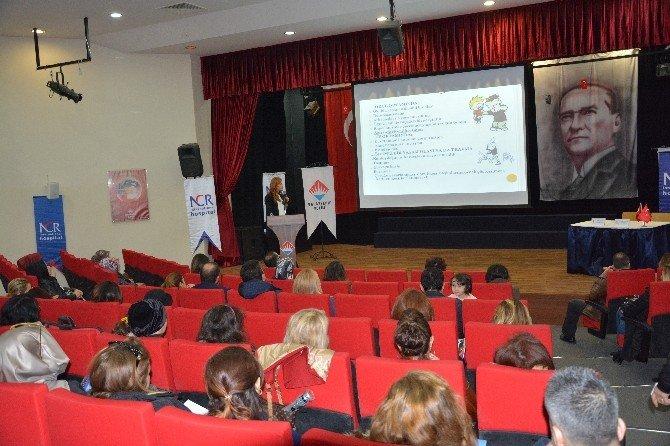 Öğretmen Ve Velilere Konferans