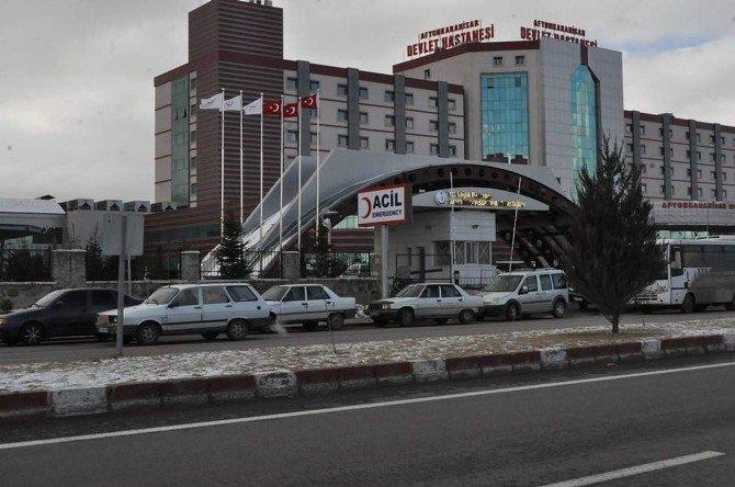 Hastane Önünün Otoparka Dönmesine Vatandaş İsyan Etti