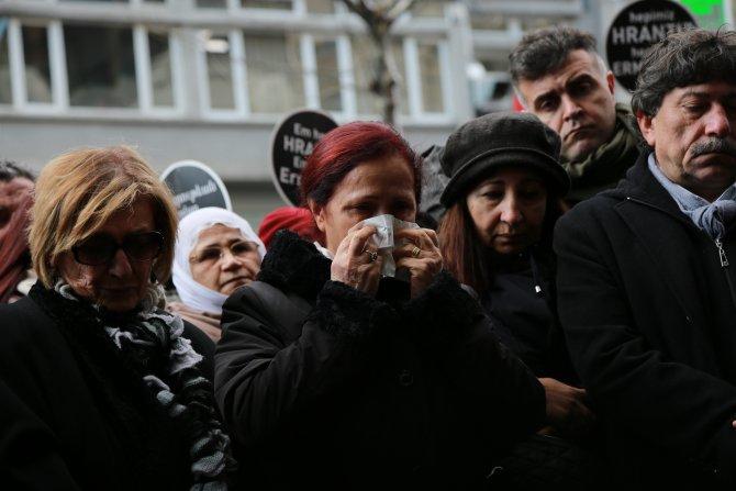 Hrant Dink, öldürüldüğü yerde karanfillerle anıldı