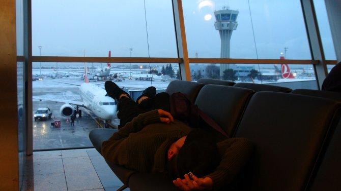 Havalimanında sabahladılar