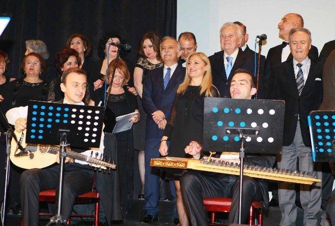 Yeşilçam'ın Altın Çocuğu İzmir'de Konsere Katıldı