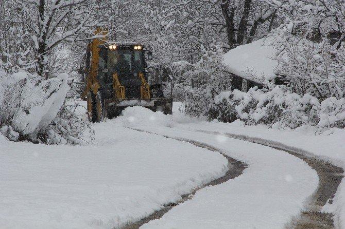 Kavak Belediyesi'nden Kar Yağışına Anında Müdahale