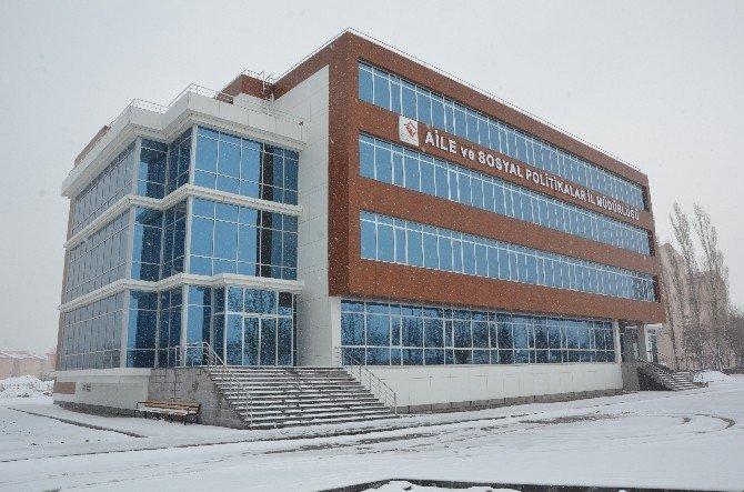 Aile Ve Sosyal Politikalar İl Müdürlüğü'ne Modern Hizmet Binası