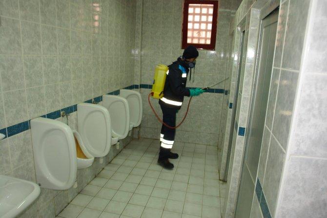 Domuz gribine karşı okullarda ilaçlama yapıldı
