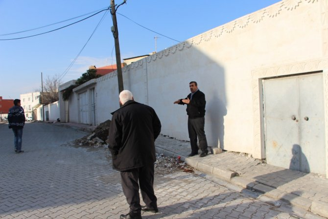 Nusaybin'de fakir ailenin toprak evi çöktü