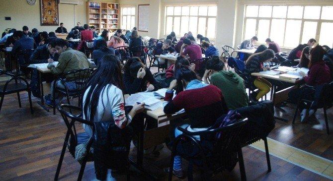 Viranşehir'de Ders Çalışmak İsteyen Öğrenciler İçin Ek Salon Açıldı
