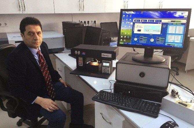 Türkiye'de İlk Kez Solar Simülatör Ve Spektral Foto Cihazı Üretildi