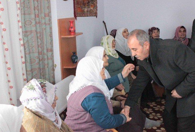 Şehit Aileleri Derneği Huzurevi Ve Sevgi Evlerini Ziyaret Etti