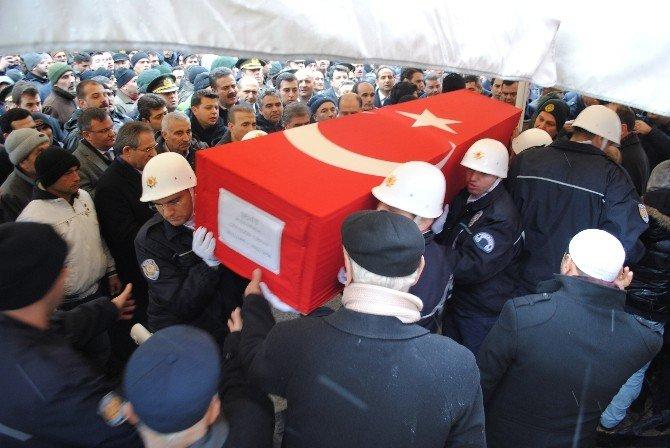 Şehit Polisi Amasya'da 10 Bin Kişi Uğurladı