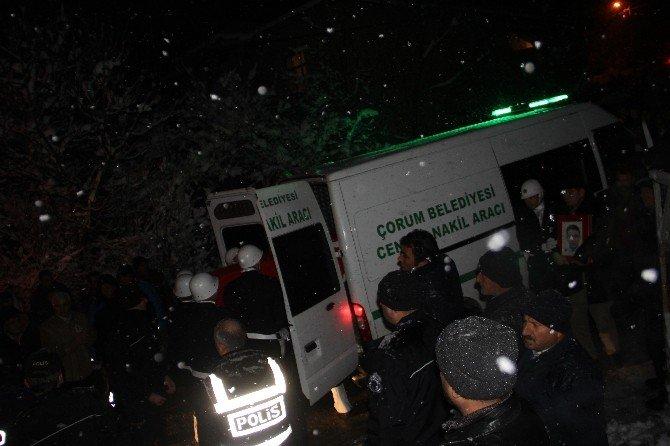 Şehit Polisin Cenazesi Baba Ocağına Getirildi
