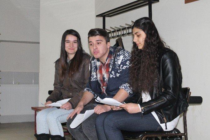 Tosya Tiyatro Kulübü İlk Provasını Yaptı