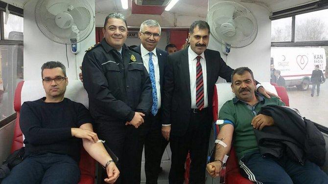 Çukurovalılardan kan bağışı