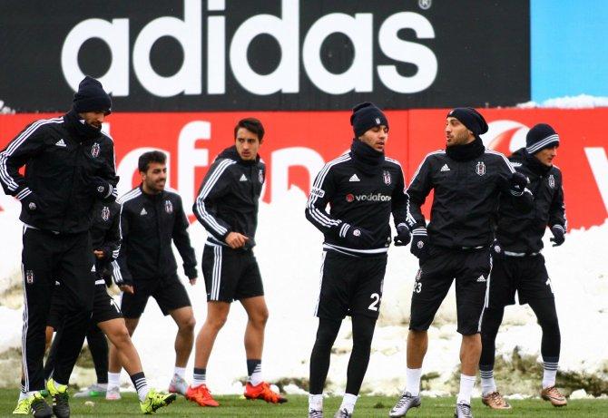Hazırlıklarını tamamlayan Beşiktaş, kupa maçı için Karabük'e gidiyor