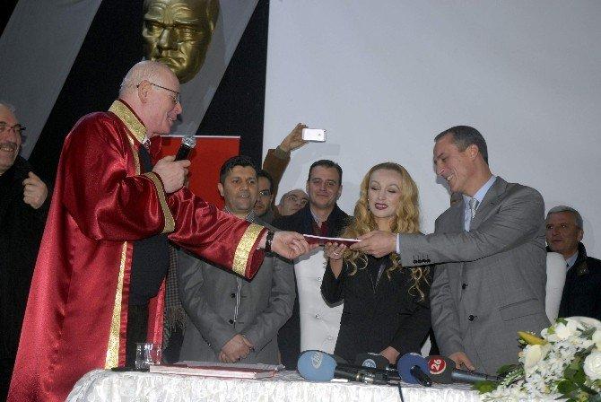 Kapatılan Tarihi Kültür Merkezi Nikahla Açıldı