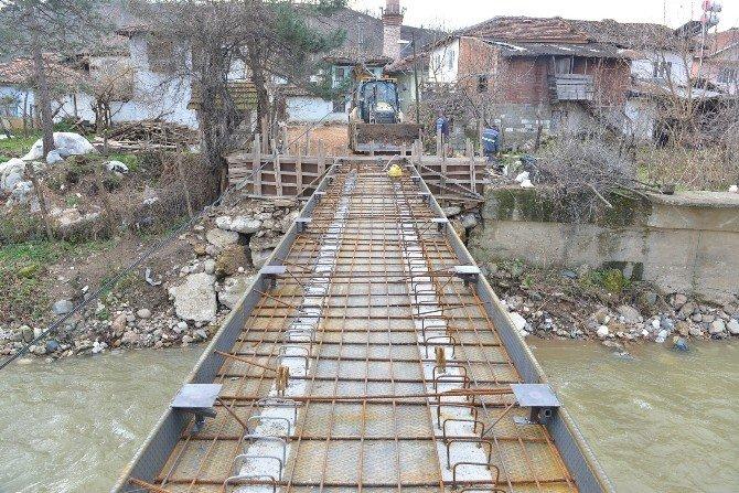 Eskikaracakaya'ya Yeni Köprü
