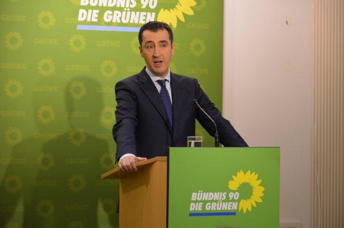 Özdemir: Türk-Alman İşbirliği Konseyi'nde basın özgürlüğü gündeme gelmeli