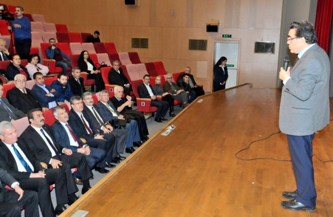 """""""AKP 500 milyar dolar dış borçla sahte refah algısı oluşturdu"""""""