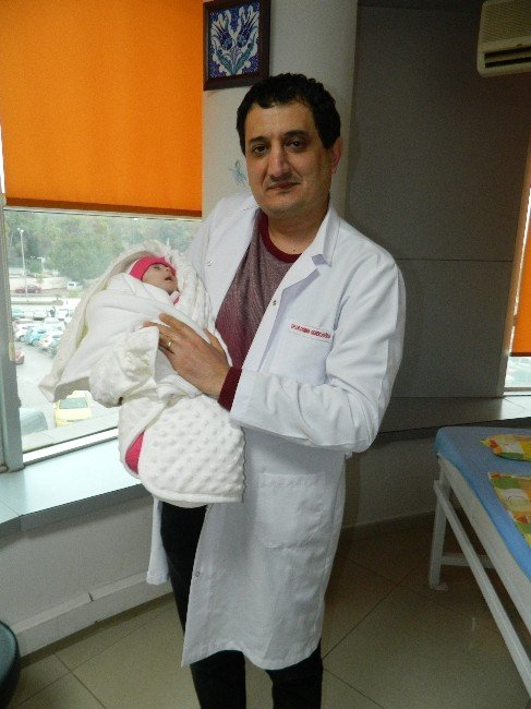 Asya Bebek Sağlığına Kavuştu