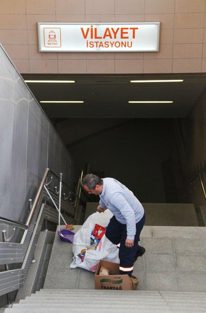 Valilik önündeki metro istasyonunda şüpheli paket paniği
