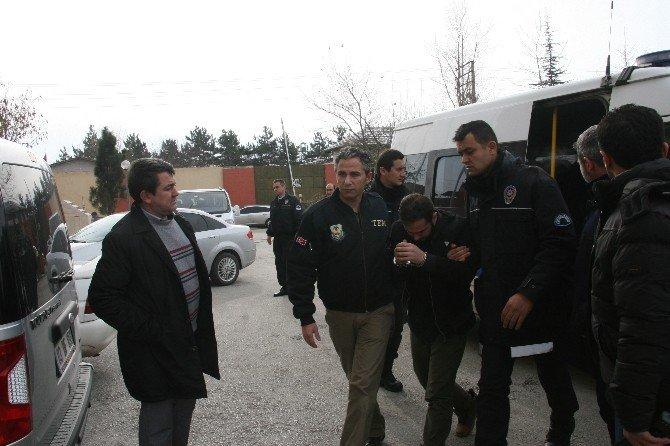 Afyonkarahisar'da Terör Örgütü Deaş'a Yönelik Operasyon