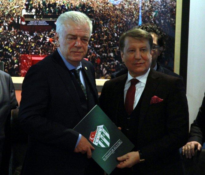 Bursaspor'un yeni başkanı Ali Ay görevi devraldı