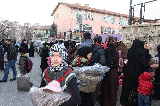 Suriyeli Sığınmacılara Anlamlı Destek