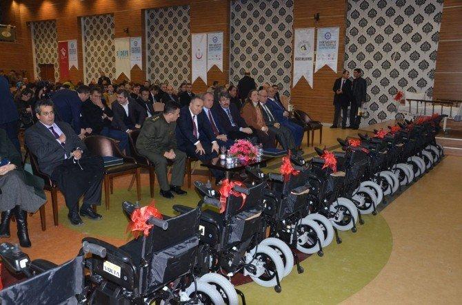 Düzce Belediyesi Akülü Araç Ve Hasta Yatağı Verdi