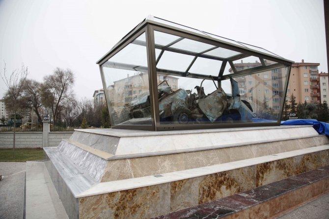 Uğur Mumcu'nun bombalanan aracı parkta sergilenecek
