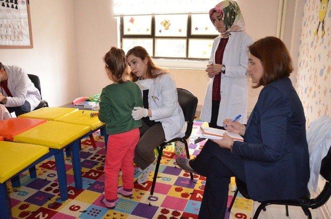 Çocuk Kampüsü Öğrencilerine Sağlık Taraması Yapıldı