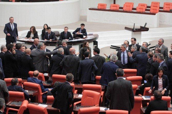 Meclis Genel Kurulu'nda Faysal Sarıyıldız Gerginliği