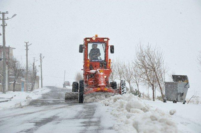 Karaman Belediyesi Karla Mücadele Çalışmasını Sürdürüyor