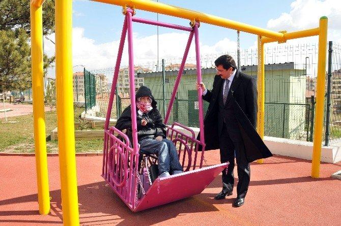 Keçiören'de Engelleri Ortadan Kaldıran Çocuk Parkı