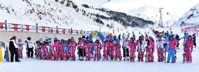 Büyükşehir'in Kış Spor Okulları Açıldı