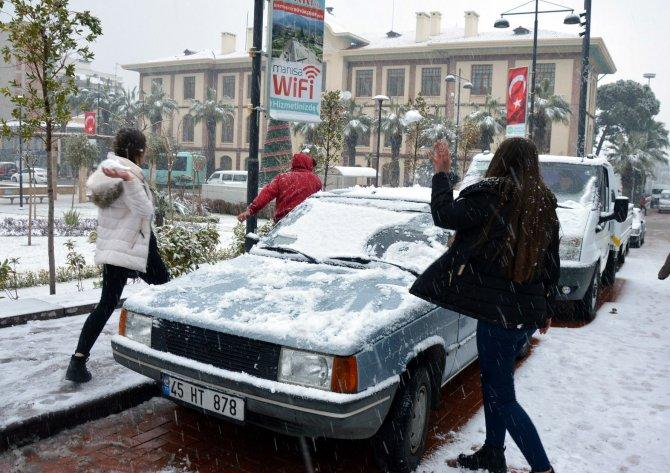 Manisalılar karın keyfini çıkardı