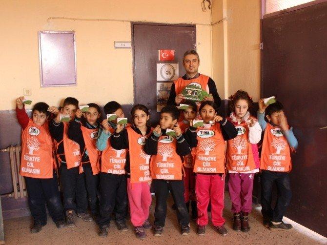 Salihli'de Öğrenciler 'Yeşil Yaprak' Ödülü Aldı