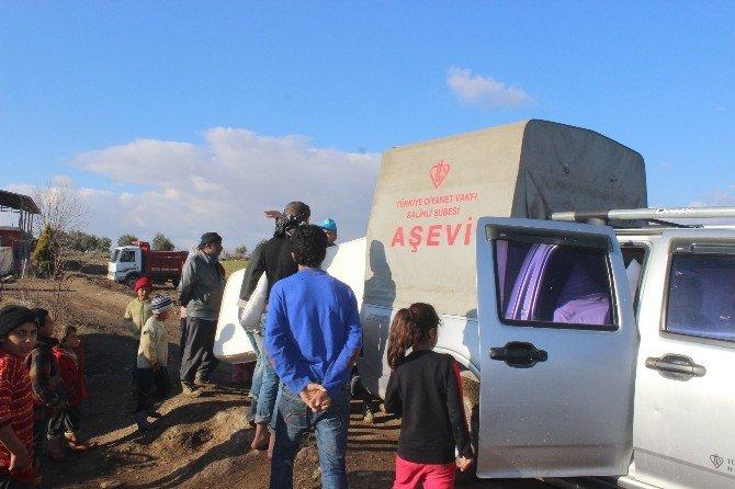 Suriyeli Sığınmacılara Yatak Ve Yorgan Yardımı