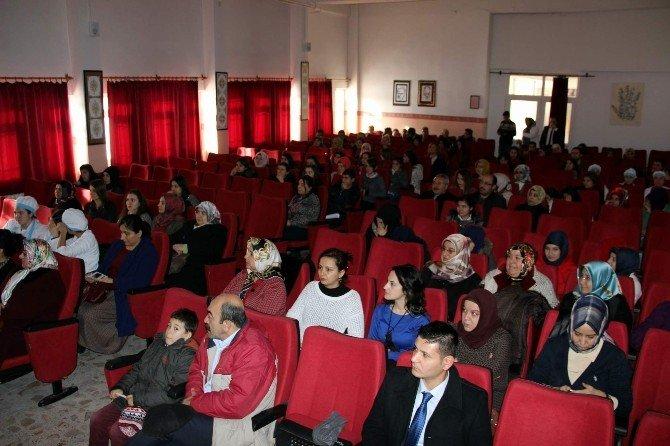 Nevşehir'de Demokratik Süreçlerde Kadın Konulu Seminer Düzenlendi