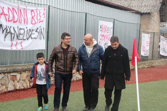 Rektör Taş'ın, Bilecikspor Maçını İzlemeye Gelmesi Taraftarı Memnun Etti