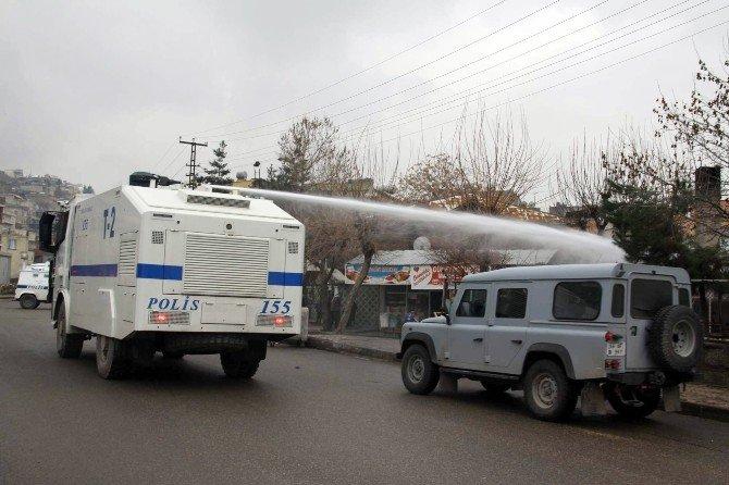 Siirt'te İzinsiz Gösteriye Polis Müdahalesi