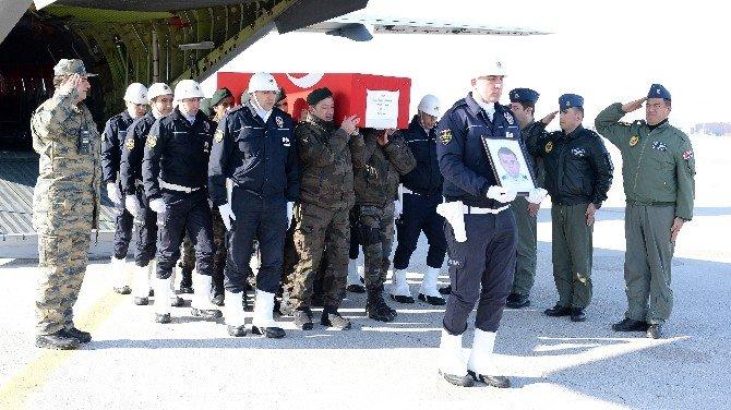 Şehit Polis Ömür Erbay'ın Cenazesi Erzurum'a Getirildi