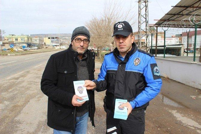Toplum Destekli Polisten Broşürlü Uyarı