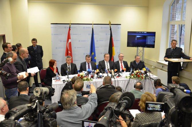 Türk ve Alman polisinden insan kaçakçılarına darbe