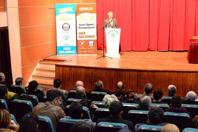 Yazar Doğan, Mehmet Akif Ersoy'un Düşünce Dünyasını Anlattı