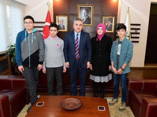 Uşak'ta 4 Öğrenci TEOG'tan Tam Puan Almayı Başardı