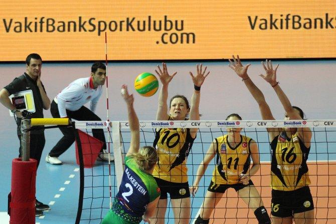 Atom Trefl Sopot'u 3-0 mağlup eden VakıfBank liderliği garantiledi
