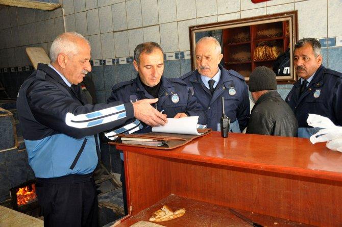 Yüksekova Belediyesi Zabıta ekipleri ilçedeki ekmek fırınlarını denetledi.