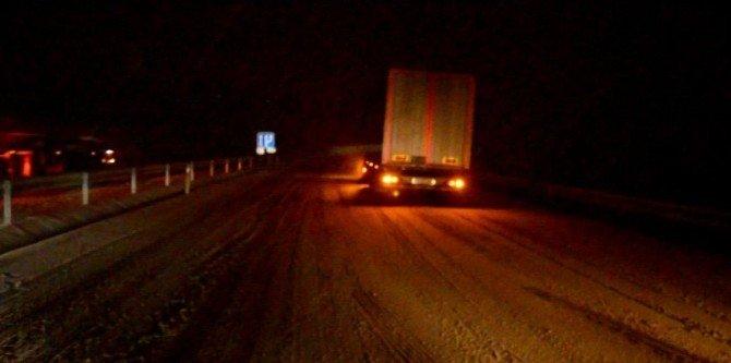 Kula'da Kar Yağışı Etkili Oldu