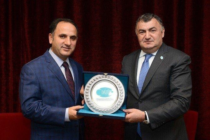 """Datüb Başkanı Kassanov: """"Cumhurbaşkanı Erdoğan Sayesinde Ahıskalılar'ın Hayatı Değişti"""""""