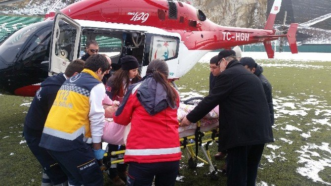 Kalp Hastası Yaşlı Adam Hava Ambulansı İle Yalova'ya Sevk Edildi