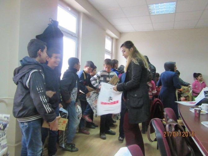 Kahta Ziraat Odası'ndan öğrencilere ayakkabı yardımı
